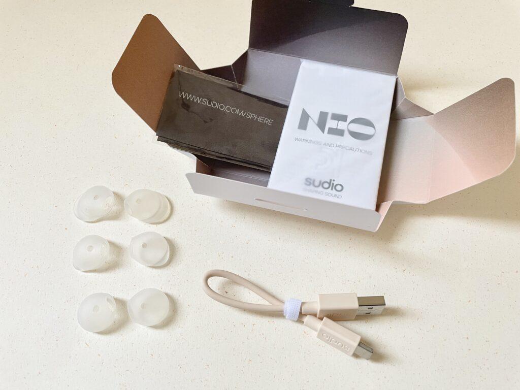 sudio NIO nio スーディオ ニオ 北欧 北欧イヤホン ワイヤレスイヤホン Bluetoothイヤホン カナル型 SAND サンド 重低音 インスタ airpods 比較 スペック 評価 レビュー 評判 Type-C 充電 ウィングチップ